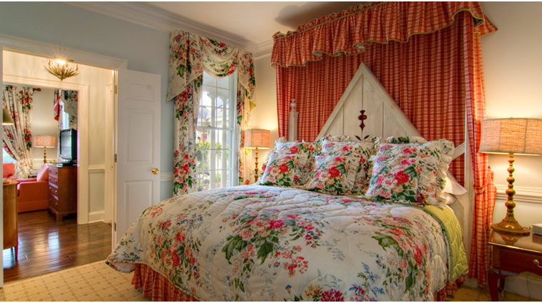 The Fearrington House Inn Grand Suite Guest Bed