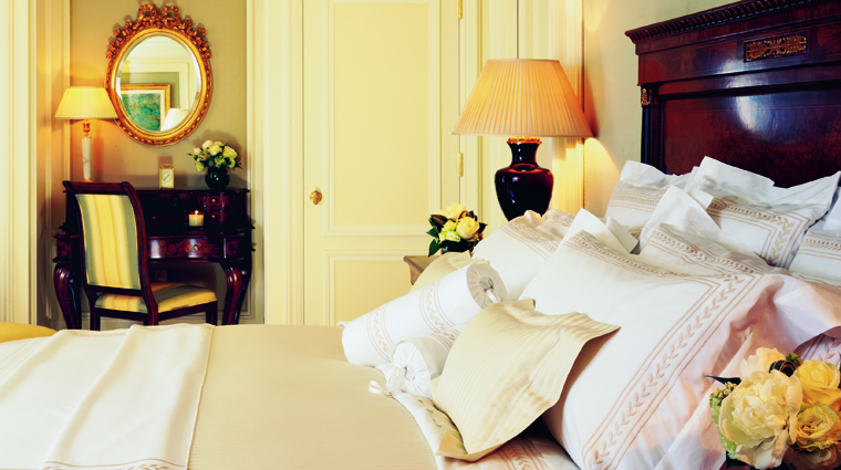 The Ritz-Carlton, New York, Central Park Guestroom Bed