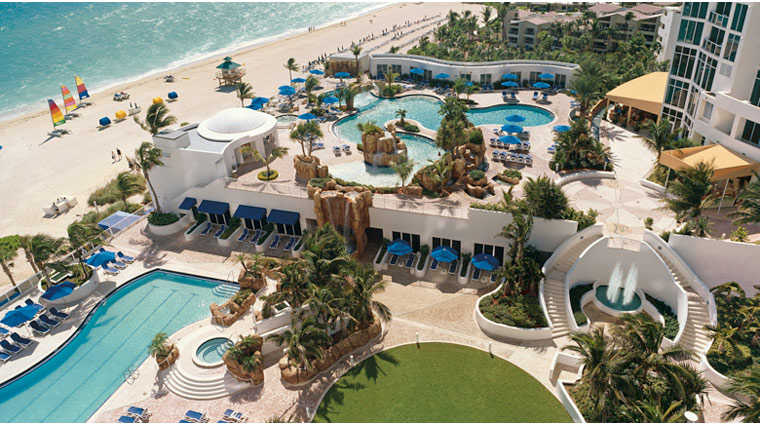 Trump International Beach Resort Pool