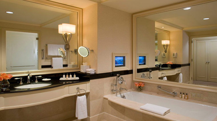 The Peninsula Hotel New York Grand Luxe Guestroom Bath
